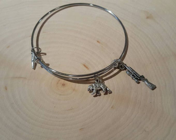 Bear hunting bangle bracelet, stainless steel