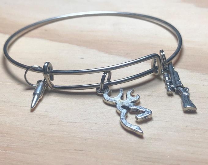 Deer and rifle hunting bangle bracelet