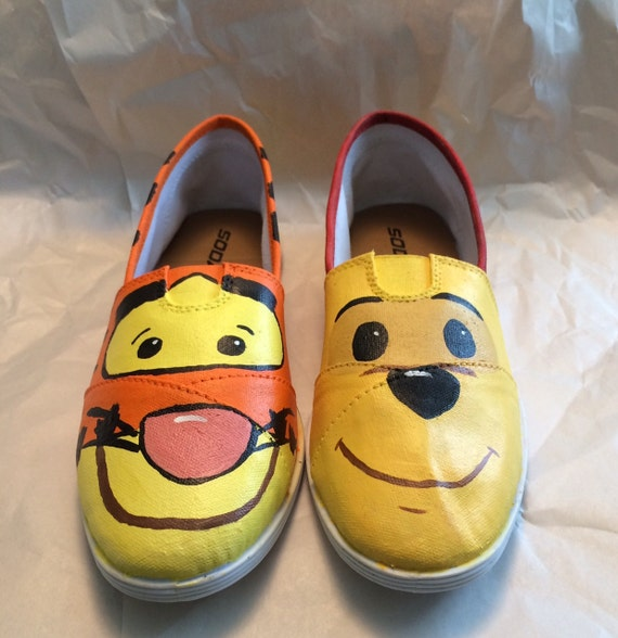 Winnie the Pooh and TIgger Too Custom made shoes  54014eda4