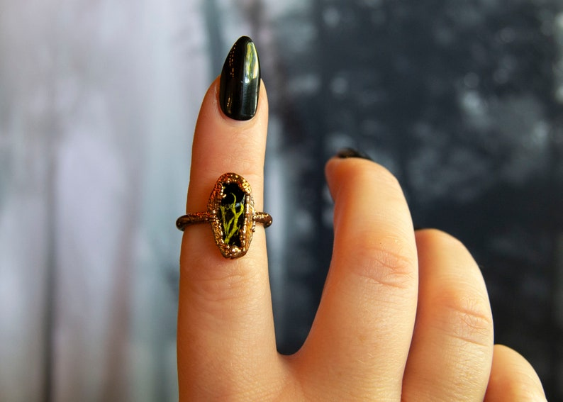 Size 7 Swamp Witch Forest Crystal Moss Witchy Lichen Dark Occult Black Goth October Halloween Nature Electroformed Resin Plant Ring