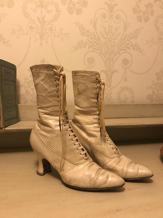 Antique white Victorian Bride / Wedding boots