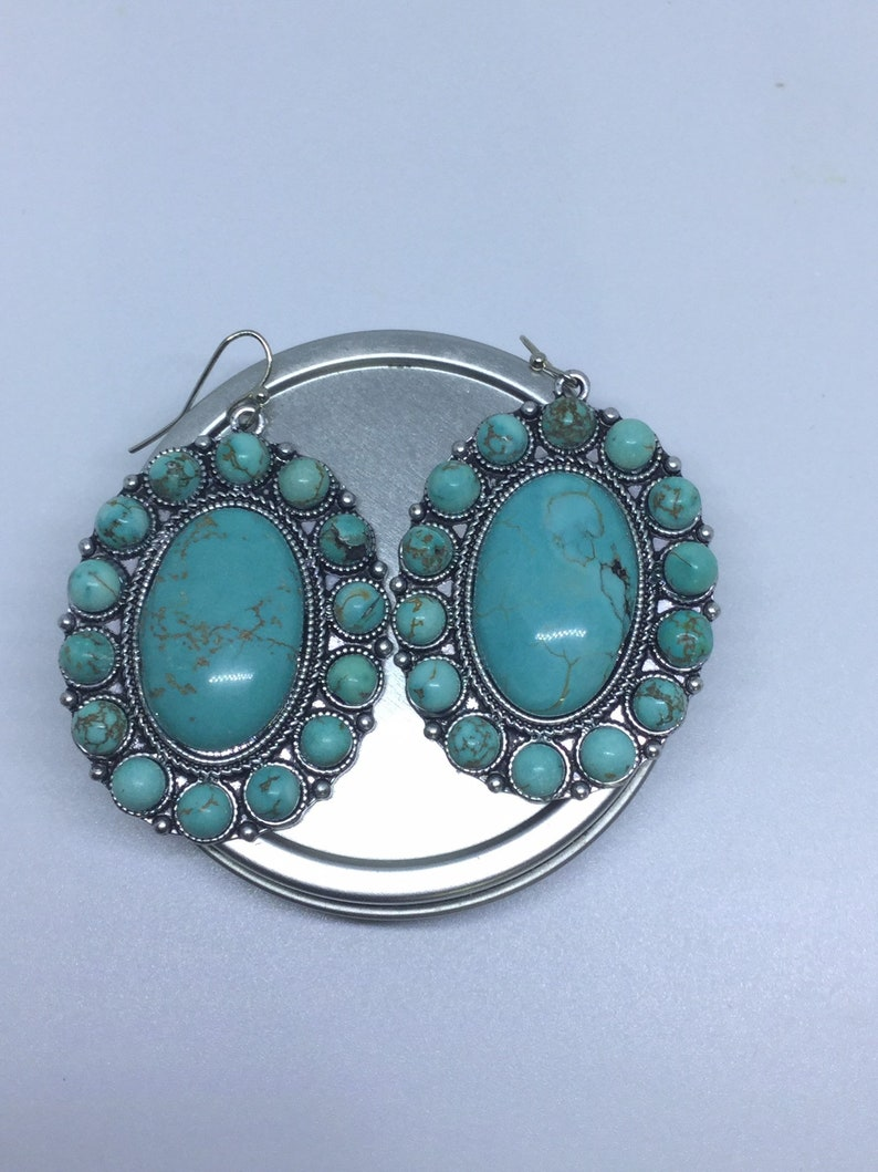 On Sale A Beautiful Pair Of Vintage Southwestern Turquoise Earrings