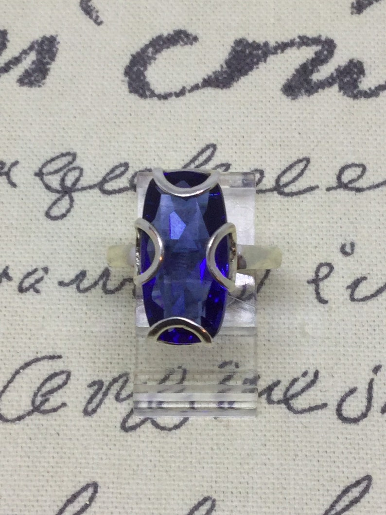 On Sale A Stunning Vintage 1950s 10CT Flawless Blue Topaz Ring Set in Sterling Silver Size 9