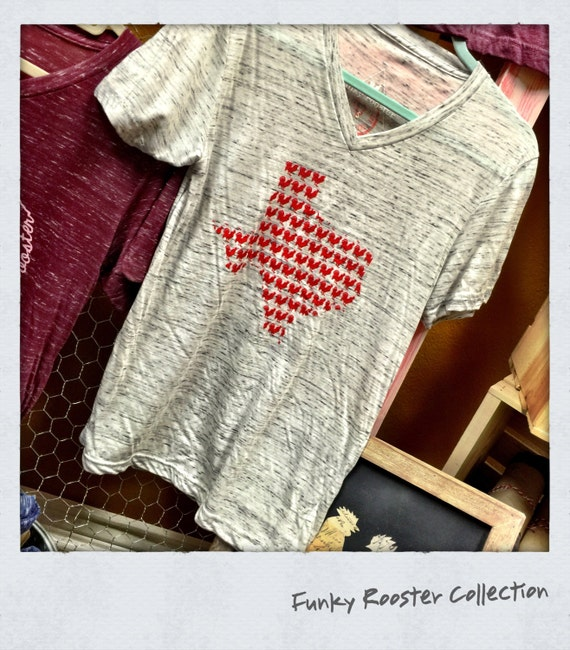 Roosters in Tejas Super Soft Vneck Tee
