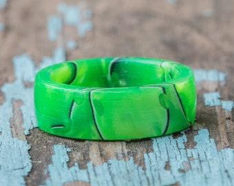 Green Mesh Acrylic Ring - Nonconductive Wedding Band Mens Wedding Ring Womens Acrylic Ring Green Black Resin Ring Mesh Green Plastic Ring