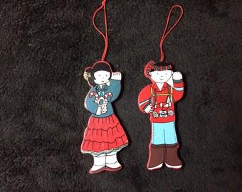 Ornements en bois de Noël indien enfants par Sue Blackburn