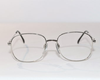 ae13fab55e Vintage Womens Luxottica Sara Goldtone Metal Eyeglass Frame
