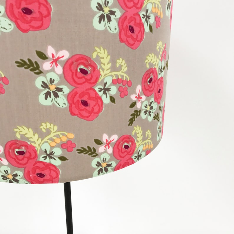 Country garden floral lampshade in pink image 0