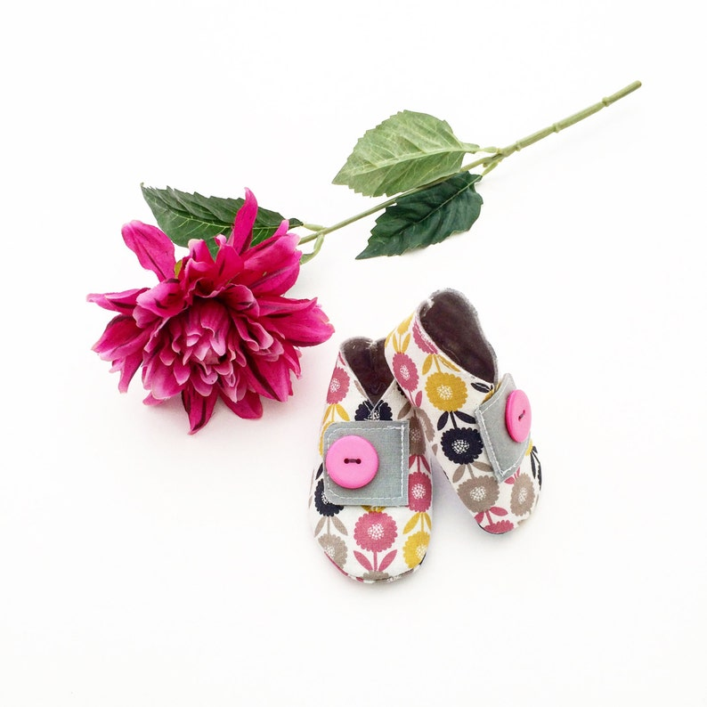 Handmade Baby Shoes  Retro Floral Print image 0