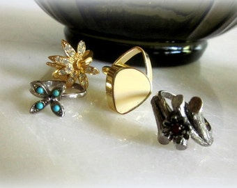 Womans Lot Costume rings by Vogue