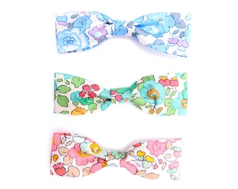 Liberty Print Hair bow - Betsy Liberty hair accessories - Wide Hair Bow - Pigtail Bow - Gift for girls -