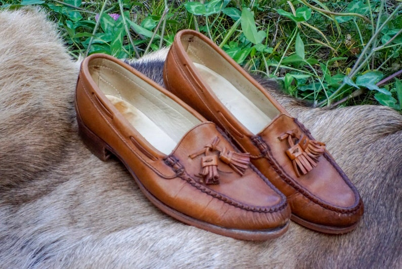 084a47e830b35 80s Cole Haan Italian Leather Tassled Penny Loafers Narrow Low Heel  Moccasins Light Brown Caramel Honey Flats Slide-ons Slip-ons 6.5 7 7.5