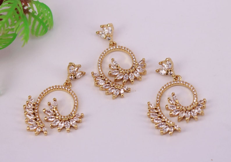 Jewelry Findings HOT 5Pcs 20x22mm Gold plated Copper Metal White CZ Zircon beads connector pendant  earrings  necklace
