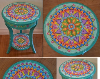 Merveilleux Hand Painted Round Accent Table. Painted Furniture, Boho Style. Solid Wood.  26.5x18 Inches. Mandala Table.
