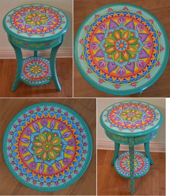 Charmant Hand Painted Round Accent Table. Painted Furniture Boho   Etsy