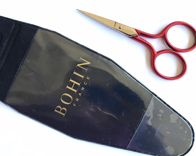 """Bohin  ROUGE """"Soft Touch"""" 3-1/2 inch Embroider Scissors"""