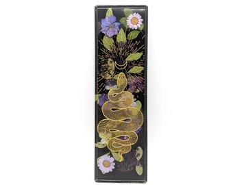 Snake Incense Holder, Dried Flower Art, Incense Holder, Green Witch, Plant mom gift, Incense Stick, Dried flower bouquet, Moon Phase Decor