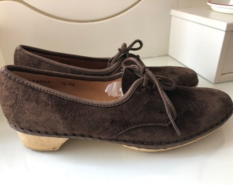 3cc157c0756 Vintage Carcavelos Handmade Shoes Lily-white Brown Suede Size 5 lace up  shoes
