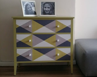 SOLD NOW !!!!! Retro/Vintage Chest of Drawers
