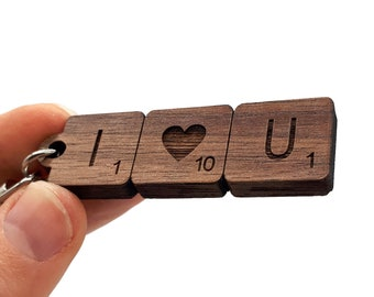I LOVE YOU romantic scrabble keyring in wood engraved on both sides, fully customizable. Letters and / or designs of your choice