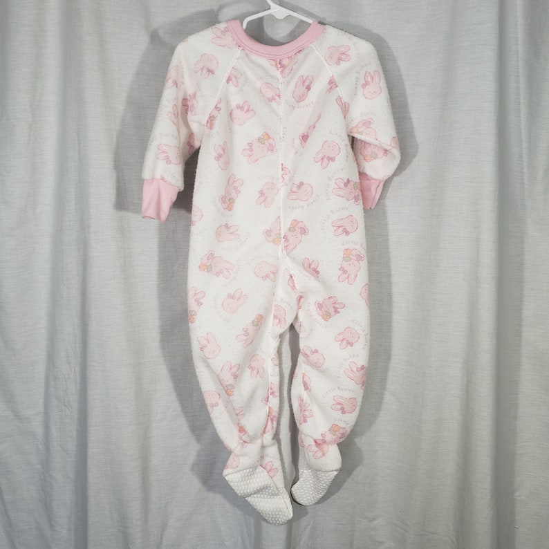 Vintage Playskool Size 3T Girls Sleeper Fotted One Piece Pajamas Little Bunny Bunnies Pink White Soft Hasbro Flame Resistant Zip Up PJ