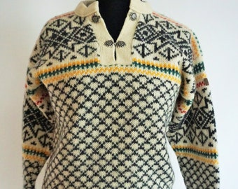 a2b50bbfdc0 Vintage Norwegian Sweater   Norway pure wool   Medium   M   Silver clasps    Nordic   Scandinavian   Pullover   Winter   White   Cardigan