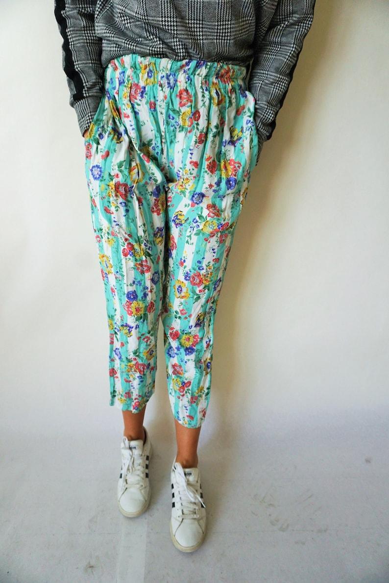 Vintage Womens Pants  Fluffy  Floral  Flowers  Medium  M  High Waist  Trousers  Summer  Yoga Pants  Joggers  Sweatpants Capris