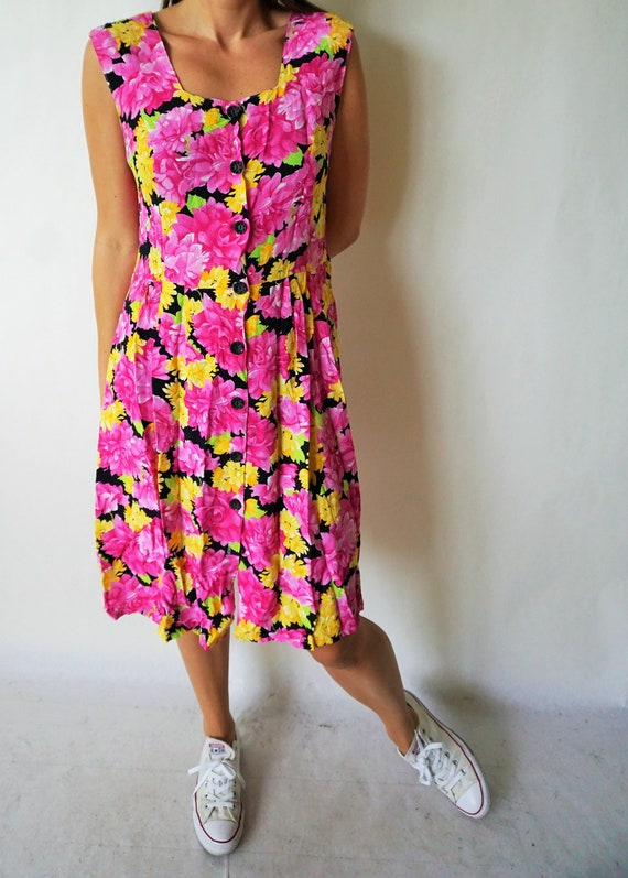 Vintage Summer Dress / Sarafan / Buttons down / Fl