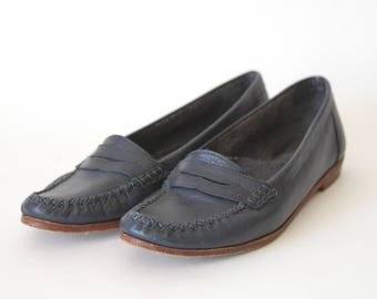90s Dark Blue Leather Loafers - Navy Blue Loafers - Navy Blue Leather Slip Ons - Leather Moccasins - Simple Leather Flats - 5 to 5.5