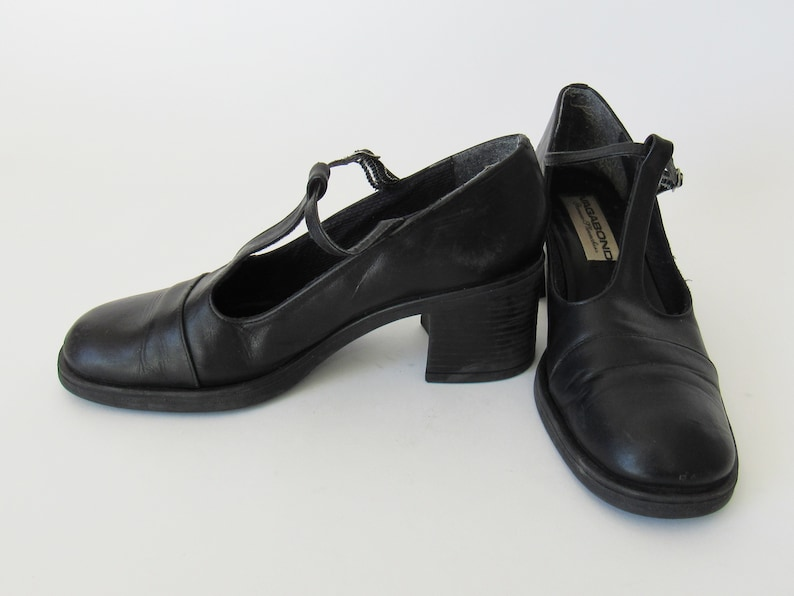 1990s Style T Strap Thick Heel Black Leather Shoe T Strap Chunky Heel Black Leather Mary Jane Shoes Size US 6 1990s Mary Jane Heels