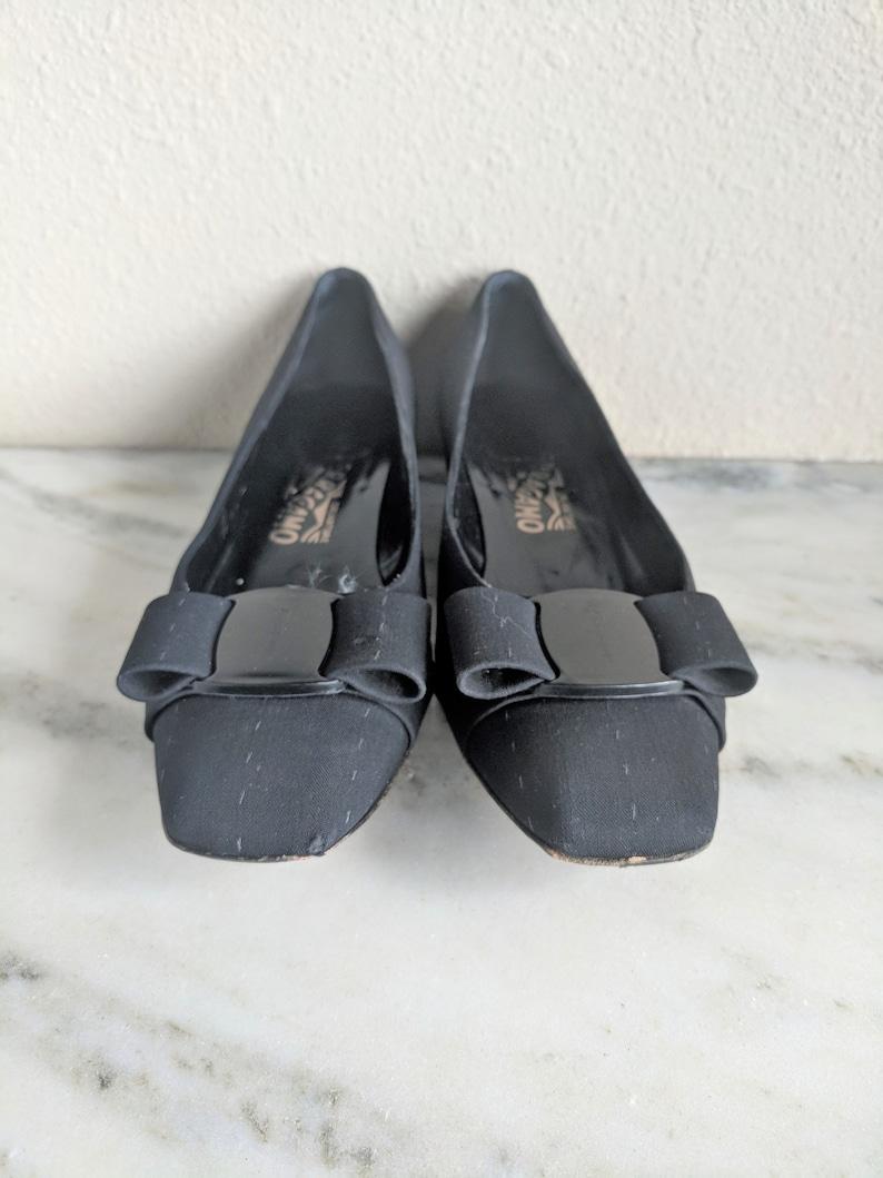 4a08f1cdd57e Size 7 Ferragamo Vara Bow Pumps Heels Vintage Black Salvatore