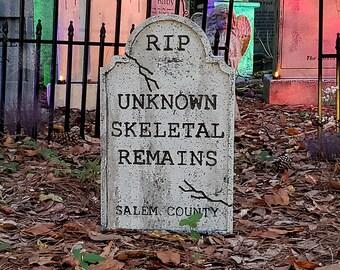 Evil Soul Studios Unknown Skeletal Remains Tombstone Halloween Prop Little Haunters Series Cemetery Graveyard