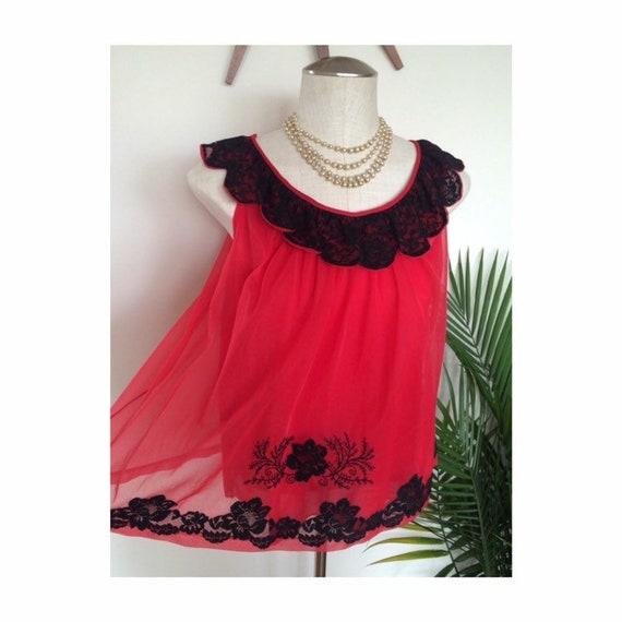 JULIET - vintage two piece lingerie set, red chiff