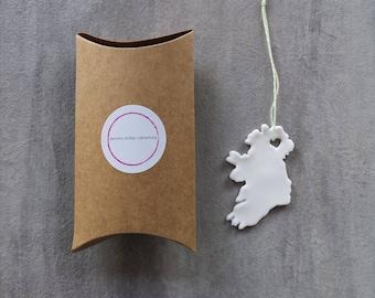 Mini Ming Porcelain Ireland Map Tree Decoration Handmade Christmas Tree Holiday Ornament with Heart