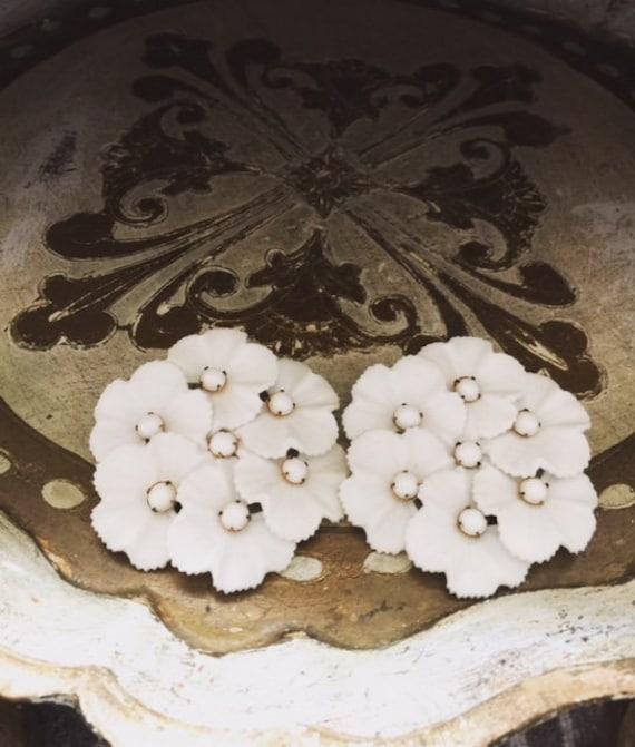 1960's Vintage White Plastic Flower Clip On Earri… - image 1
