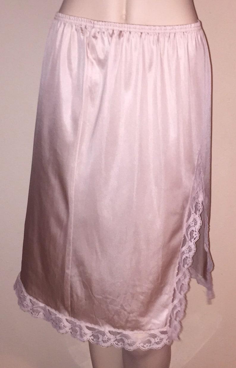 Vintage VANITY FAIR Fawn Colored Lacy Hem Half Slip sz M Long