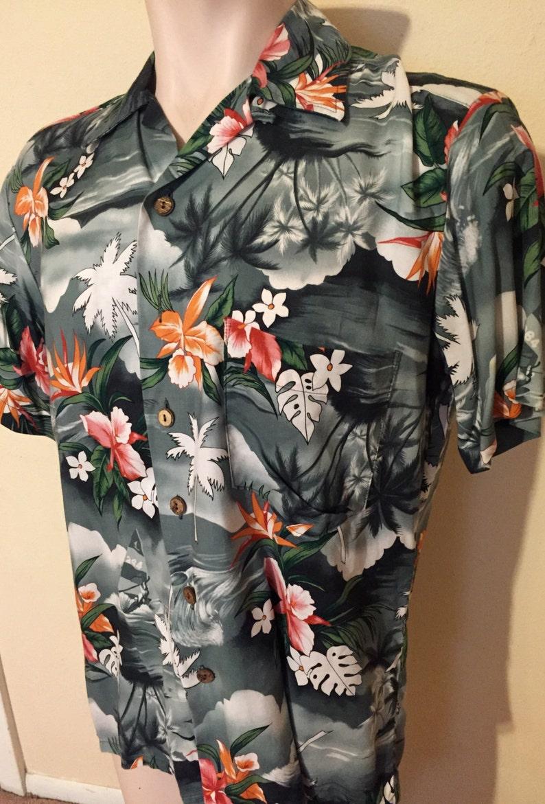 Vintage KENNINGTON Floral 100/% Rayon Floral Hawaiian Aloha Shirt sz M Medium