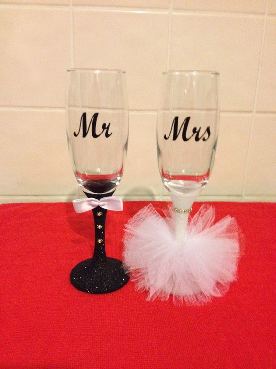 Personalised Bride /& Groom Wedding Glitter Wine Glasses