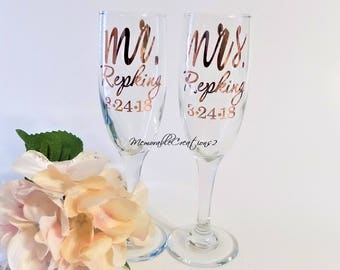 bec58f483492 Mrs and Mrs Champagne Flute