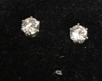 Cubic zirconia circle stud earrings with brass bezel