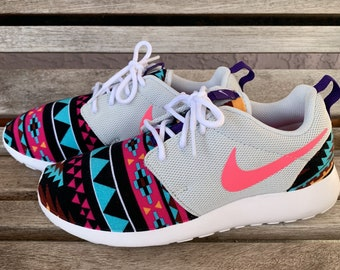 Womens Roshe Gray Pink Aztec Navajo Tribal Inspired Print 31b3ced7a