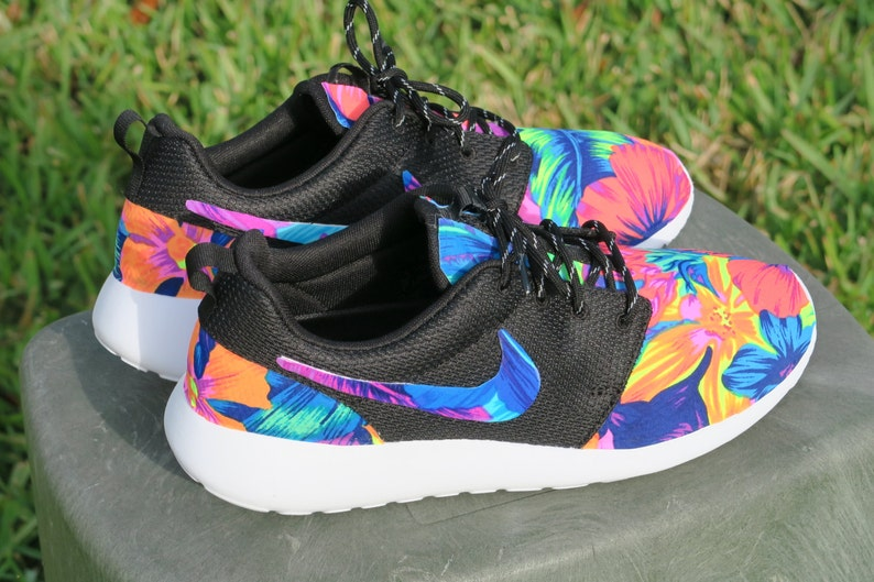63683fb80d9e7 New Neon floral tahitian Nike Roshe with Blue Pink Flower