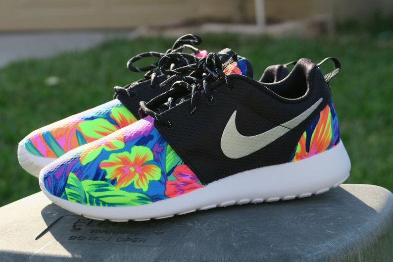 sale retailer fc6e8 b4571 Custom tropical Tahitian Nike Roshe Black White Metallic Women   Etsy