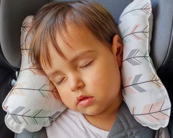 "Ergonomic pillow for children ""arrows"""