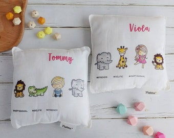 "Pair of hand-painted pillows for children ""hashtag Friends"""