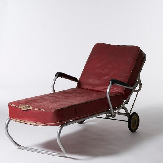 Vintage Industrial Streamline Design Aluminum Patio Lounge Chair