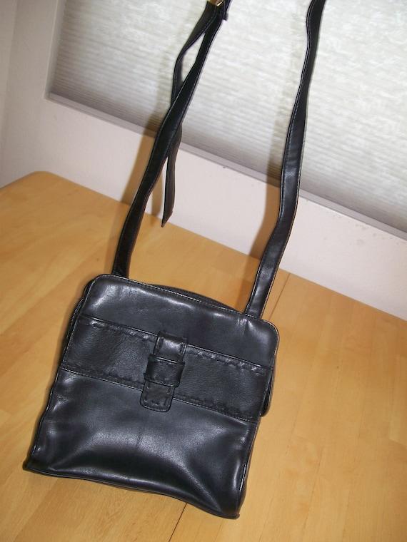 Vintage 1980's Boxy Black Leather Purse Handbag Sh