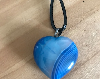 Two toned blue love heart shaped agate necklace pendant