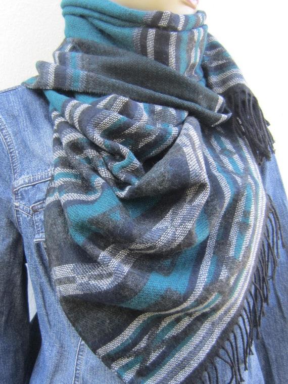 Homme foulard gris foncé et bleu foulard aztèque hommes   Etsy e5440a602ea