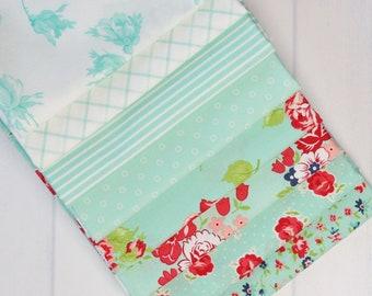 Smitten Aqua Fat Quarter Fabric Bundle - Bonnie & Camille - 8 pieces